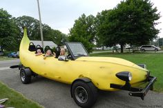 """""""My dream car is that #bananacar... and I don't give a f--k what anyone thinks"""" - Oblivion #YourDreamCar"""