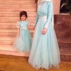Anne Kız Mavi Abiye Takım