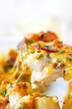 Cheesy chicken casserole with potato bake is one of the best casserole recipes ever! Ingredients are chicken, potatoes, cheddar cheese, bacon and cream. Chicken Potato Casserole, Chicken Potatoes, Baked Chicken, Casserole Dishes, Chicken Recipes, Casserole Pan, Recipes With Chicken Breast And Potatoes, Chicken Sauce, Chipotle Chicken