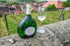 Franken authentisch erleben: mit einem Glas Wein im Weinberg  ... #franken #wein #weinberg