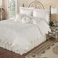 Try here billed shabby chic bedding sets Home Decor Bedroom, Shabby Chic Furniture, Bed Linens Luxury, Bedroom Decor, Shabby Chic Kitchen Decor, Bedroom Colors, Shabby Chic Bedroom, Chic Home Decor, Shabby Chic Room