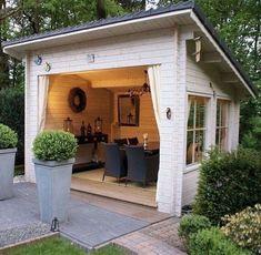 Awesome & Comfy Backyard Studio Shed Design Ideas Awesome & Comfy Hinterhof Studio Shed Backyard Playhouse, Backyard Sheds, Outdoor Sheds, Garden Gazebo, Backyard Storage, Diy Garden, Garden Paths, Shed Design Plans, Shed Plans