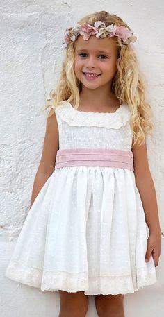 Tienda Moda Mascotas infantil y juvenil Gowns For Girls, Little Girl Dresses, Girls Dresses, Flower Girl Dresses, Baby Girl Dress Patterns, Baby Dress, The Dress, Kids Fashion Show, Little Girl Fashion