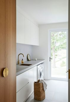 Modern Laundry Rooms, Laundry In Bathroom, Laundry Room Design, Kitchen Design, The Byron, Byron Bay, Mission Style Homes, Dirty Kitchen, Timber Cladding