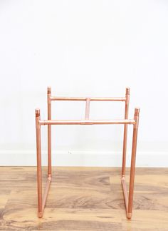 http://www.abubblylife.com/2015/03/diy-copper-pipe-marble-plant-stand.html