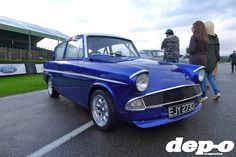 Dep-O checked out Goodwood's hugely popular free monthly Breakfast Club at the historic Goodwood Motor Circuit to see what the fuss is about. Pimped Out Cars, Ford Anglia, Cars Uk, Ford Capri, Ford Classic Cars, The Breakfast Club, Automotive Art, Retro Cars, Thoroughbred