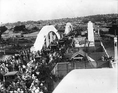 People gathered for the opening of the William Jolly Bridge, Brisbane, 30 March 1932