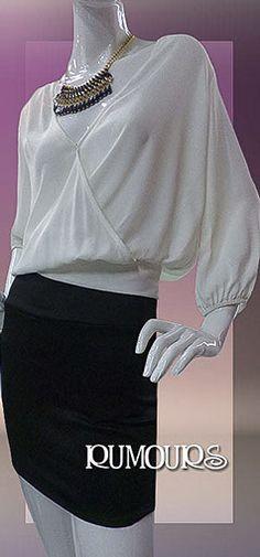 Blusa con mangas, disponible solamente en color blanco