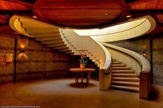 Bodega Opus One: St Helena Hwy, Oakville, California