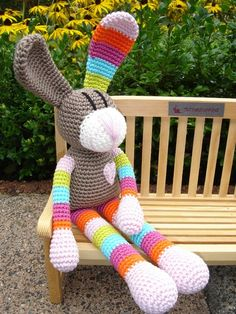 Heidi-Hase-Suche dafür Häkelanleitung - GO Like a hair Crochet Dinosaur Patterns, Crochet Bunny Pattern, Crochet Rabbit, Crochet Chart, Crochet Animal Amigurumi, Amigurumi Patterns, Crochet Animals, Crochet Dolls, Knitting Patterns