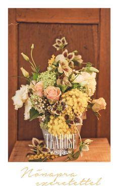 Nőnap virágkompozíció, dekoráció   Woman's Day flower composition, decoration