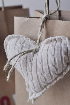 Just love these stuffed hearts made from upcycled old sweaters. Would be nice for gift tags or grouping together in a Valentines garland. A helpful step-by-step tutorial is included for this DIY craft. Source by Heart Cushion, Diy Cushion, Heart Pillow, Cushion Covers, Pillow Covers, Cheap Christmas Ornaments, Christmas Crafts, Xmas, Old Sweater