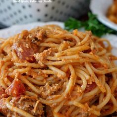 Italian Sausage Spaghetti Bake - This delicious and family loved spaghetti casserole recipe is loaded with Italian sausage, homemade sauce, cheese and more. Italian Sausage Spaghetti, Italian Sausage Recipes, Baked Spaghetti, Spaghetti Recipes, How To Make Lasagna, How To Cook Pasta, Casserole Dishes, Casserole Recipes, Potato Casserole
