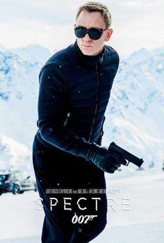 James Bond: The Sunglasses File James Bond Movie Posters, James Bond Movies, Casino Royale, Love Movie, I Movie, Style James Bond, George Lazenby, Bond Series, Daniel Craig James Bond