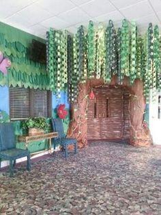 Jungle Theme Classroom, Classroom Themes, Rainforest Classroom, Preschool Classroom, Paper Tree Classroom, Rainforest Theme, Owl Classroom, Vbs Themes, Classroom Layout