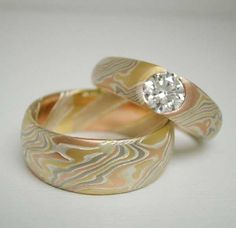 Mokume Gane ring set, featuring red gold, yellow gold, sterling silver, and palladium white gold by artist James Binnion. Bling Wedding, Wedding Jewelry, Wedding Rings, Wedding Set, Jewelry Art, Jewelry Accessories, Jewelry Design, Jewellery, Tension Ring