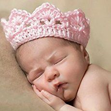 This Newborn Crochet Crown is perfect for a Prince or Princess. You will love this fabulous FREE Pattern.