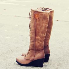 The Chinook Boots in Khaki, Cozy Winter Boots from Spool No.72 | Spool No.72