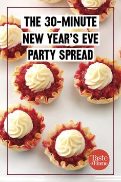Awesome Holiday recipes tips are readily available on our web pages. look at this and you wont be sorry you did. New Year's Eve Appetizers, Christmas Appetizers, Yummy Appetizers, New Year's Food, Love Food, Good Foods To Eat, Food To Make, Party Spread, Holiday Recipes