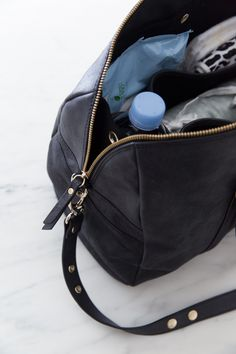 JOSEFINA bag is a 2-in-1 functional lightweight diaper bag that contains an inside bag that can be easily detached and carried by itself attached to the shoulder strap. It is also a Stroller bag.