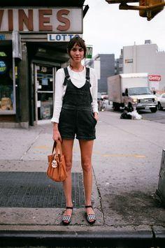 ALexa Chung (white long sleeves blouse, denim overalls, sandals)