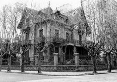 Villa María en la década del 70.  . La mansión se hallaba en Bolivar y Entre Ríos y fue demolida en 1990.