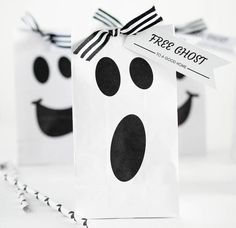 These Halloween Ghost Gift Bags are so fun and perfect for your little ghouls…