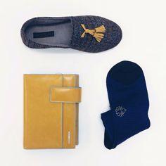 SALDI UOMO Pantofola €49,90 -30%= €35 Calzini €29 -30%= €20 Agenda €175 -30%= €122,50 Spedizione gratuita #manlioboutique Info: WhatsApp 329.0010906 #man #accessories