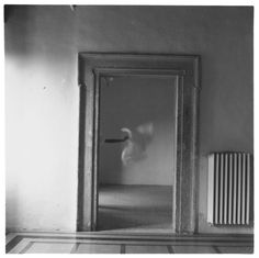 Francesca-Woodman---From-Angel-Series,-Rome,-Italy-1977-[I127.5]_WEB_2