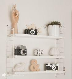 Hillur inn til ITV og inná litla bað String Pocket, Home Design Decor, Dream Home Design, House Design, Storage Shelves, Shelving, Ikea, Home Id, Wooden Hand