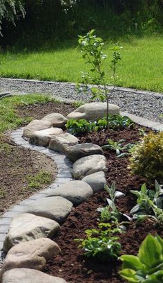 Garden edging ideas add an important landscape touch. Find practical, affordable and good looking edging ideas to compliment your landscaping. [SEE MORE] Garden edging ideas add an i… Landscape Borders, Lawn And Landscape, Brick Landscape Edging, Flower Landscape, Watercolor Landscape, Landscaping With Rocks, Front Yard Landscaping, Landscaping Ideas, Landscaping Software