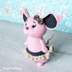 This little girl mouse is just 15 cm to the tip of her tiny ears She's so adorable, isn't she? Pattern by Amigurumi Today (link in the bio). . . . . . . . #amigurumitoday #amigurumi #crochet #crochettoys #crochettoy #amigurumitoys #amigurumitoy #amigurumidolls #amigurumipattern #amigurumipatterns #crochetpatterns #crochetpattern #crocheting #örgü #örgüoyuncak #crafts #crochetedtoys #amigurumis #häkeln #amigurumidoll #crochetdoll #crochetdolls #amigurumist #crocheted #plushie