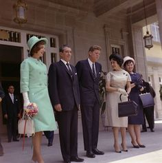 KN-C22666U President John F. Kennedy and First Lady Jacqueline Kennedy meet with the president and first lady of Mexico.
