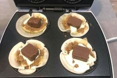 Kmart Pie Maker fans are now making MARS BAR PIES - and we've died and gone to heaven - New Idea Food: Recipes, Cooking & Food Ideas Mini Pie Recipes, Sweet Recipes, Cake Recipes, Dessert Recipes, Breakfast Recipes, Dinner Recipes, Nutella Donuts, Baked Doughnuts, Nutella Mousse