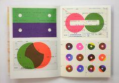 オランダはグラフィックデザインの実践の場が多く、また充実した教育環境があることから、豊かな土壌が形成され、結果として世界的にみても目覚ましい活躍をするグラフィックデザイナーをこれまでに多数輩出してきました。 そのオランダでは3年に1回、タイプフェイスの領域で大いに貢献した書体デザイナーや活版技術者へ[the Gerrit Noordzij  Prize](ヘリット・ノールツァイ賞。伝説的なタイポグラファーのヘリット・ノールツァイに由来する)を授与しています。2012年には、タイポグラフィを専門とするグラフィックデザイナーのKarel  Martens(カレル・マルテンス)が受賞しまし