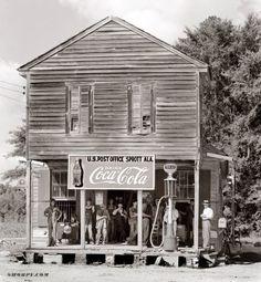 Crossroads store at Sprott, Alabama, 1935 or 1936, by Walker Evans