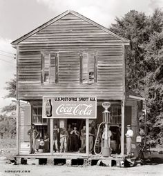 Crossroads store at Sprott, Alabama, 1935 or 1936, by Walker Evans
