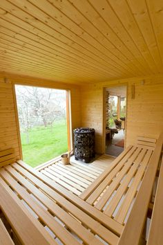 A house sauna may likewise help your friends and family keep healthy and loose. It's a handy and cheap technique to get pleasure from a resort life-st. Diy Sauna, Sauna Ideas, Home Spa Room, Spa Rooms, Sauna House, Sauna Room, Sauna Design, Shed Design, Design Design