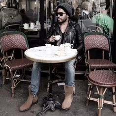 Foto-Storys vom Oktober: Missen-Meeting in Moskau Lenny Kravitz, Rock Style, My Style, Retro Fashion, Mens Fashion, Record Producer, American Singers, American Women, House Party
