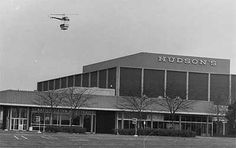 Eastland Mall, Harper Woods, MI in the 1970s. Hudson's was NOT one of my favorite stores there but this is the only picture I could find.