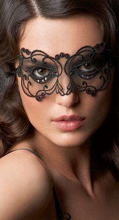 Beautiful Lace Mask...perfectly beautiful for Mardi Gras