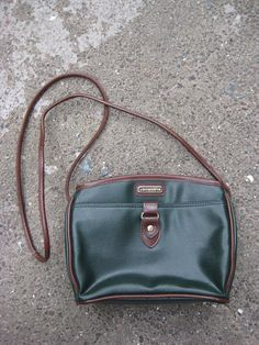 Items similar to Cool Vintage 80s Liz Claiborne Green Leather Shoulder Bag  Purse on Etsy 13b176eeb2a41