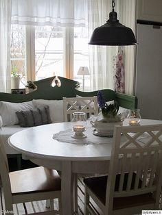 keittiö,maalaisromanttinen,valkoinen sisustus