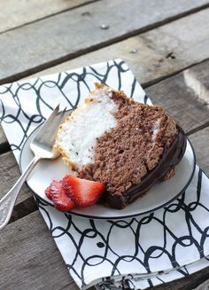 Black & White Angel Food Cake - FoodBabbles.com