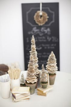 Christmas DIY Potluck by Salt Harbor Designs + Millie Holloman Photography  Read more - www.stylemepretty...