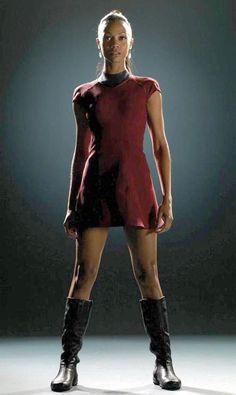 Zoe Saldana Admits to Accidentally Flashing Star Trek Co-Stars: ''I Remember Always Being Exposed'' | E! Online Mobile