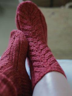 Ravelry: Pitsineule villasukat Novita Duo pattern by Minna Metsänen Ravelry, Knit Crochet, Socks, Knitting, Pattern, Knits, Yarns, Crocheting, Google
