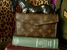 1922610b01f1 RARE Vintage LOUIS VUITTON Saks Fifth Ave Clutch Wallet Coin Purse  Accessory LV  LOUISVUITTON