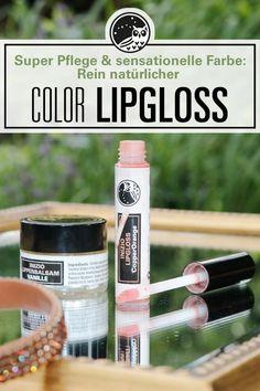 Trendfarbe im Sommer und natürliche Pflege in einem! Unsere Lippenpflegeprodukte bestehen alle ausschließlich aus natürlichen Inhaltstoffen, sind vegan und machen die Lippen unwiderstehlich zart. Besonders toll am Abend: Der Lipgloss CopperOrange zaubert einen tollen Farben-Glanz auf die Lippen und schützt dabei die Lippen vor Trockenheitsrissen und offenen Mundwinkeln. #bestelippenpflege #lippenschminken #naturkosmetik #trendfarbe2020 Lipgloss, Vegan, Soap, Bottle, Beauty, Surgery, Vanilla, Smooth Lips, Natural Skin Care