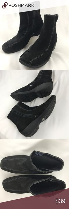 🍁11W🍁 CLARKS Ashlyn Suede Booties Water-resistant black sued ankle boots. Comfortable and ready for the elements. Excellent preowned condition. See full description in photo. Clarks Shoes Ankle Boots & Booties